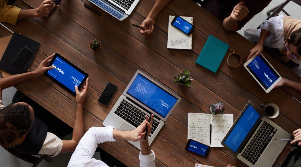Agiles Team arbeitet mit Tools gemeinschaftlich