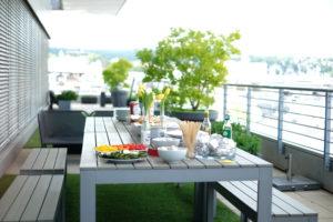 Feierabendbier und Grillen auf der Terrasse von Seibert Media in Wiesbaden